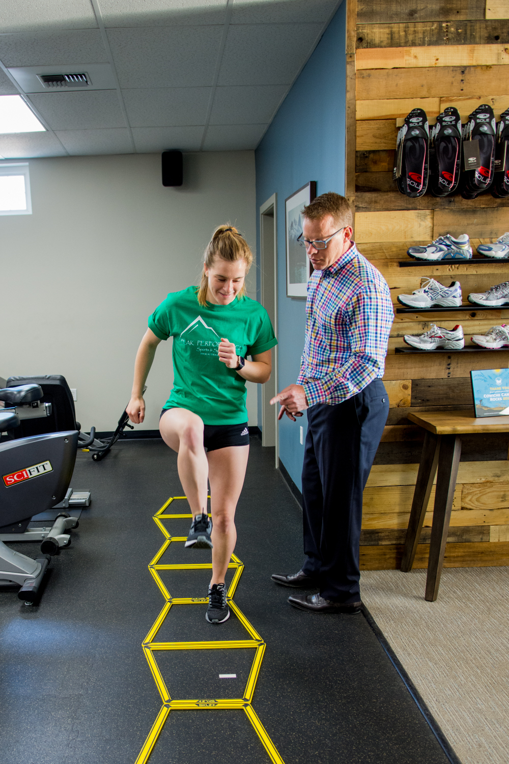 patient forms peak performance sports and spine physical therapy